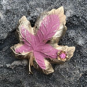 Vintage: Gold & Pink Chippy Maple Pin Brooch